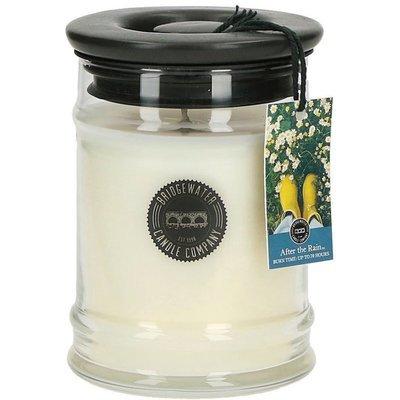 Bridgewater Candle średnia świeca zapachowa w szkle 250 g - After The Rain